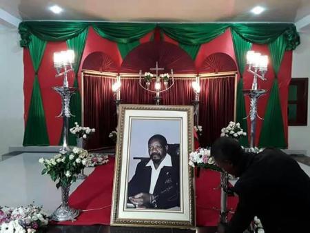 Angolanos dão adeus final a Jonas Savimbi