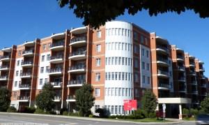 Cours Cosmopolis, condos à vendre et appartements à louer, Laval, Chomedey