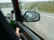 Dann endlich im Auto - endlich mit Bier