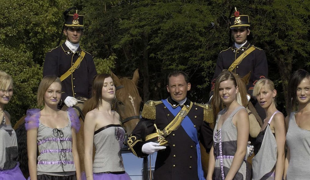 Fashion & Horses with military