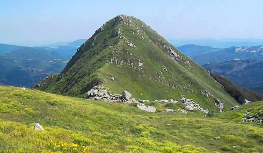 Monte Acuto in Tuscany on horseback