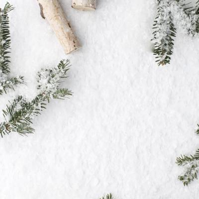 7 Winter Life Hacks to Help You Survive the Colder Months. These tips will help you stay happy, cozy, and warm these winter months! | #winter #survivewinter #lifehacks #staywarm #staycozy #cozy #coziness #cozywinter #happywinter | clubcoconutti.com