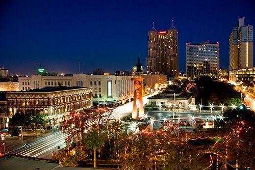San Antonio Christmas, por Corey Leopold