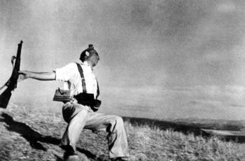 Robert Capa 01
