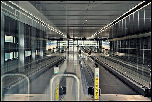 Destination choices Sensual discovery Dublin Airport, Ireland  Pier D in sight  Terminal 1, por UggBoyUggGirl PHOTO WORLD TRAVEL