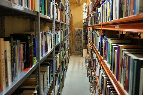 Bookshelves, por uitdragerij