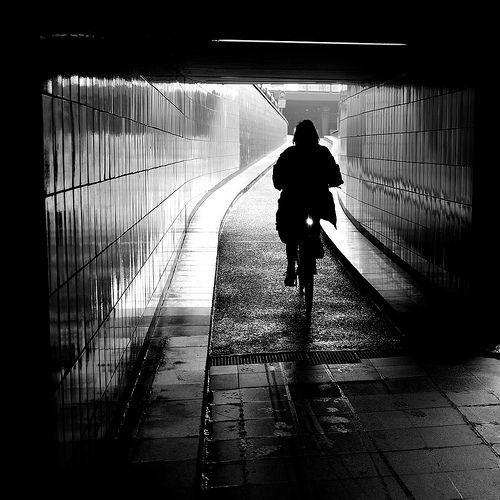 Into the darkness..., por Thomas Leuthard