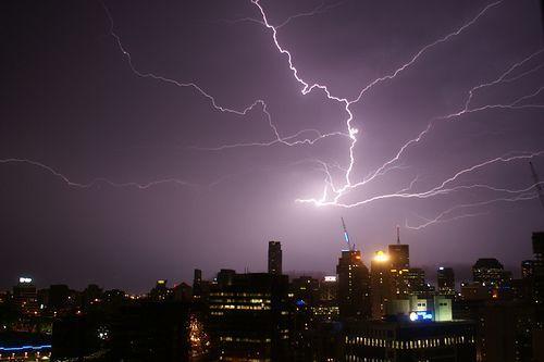 Brisbane Lightening, por Steve Arnold