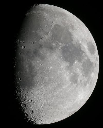 Lune, por Thomas Bresson