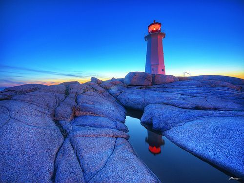 sunset at peggy's cove, por paul bica