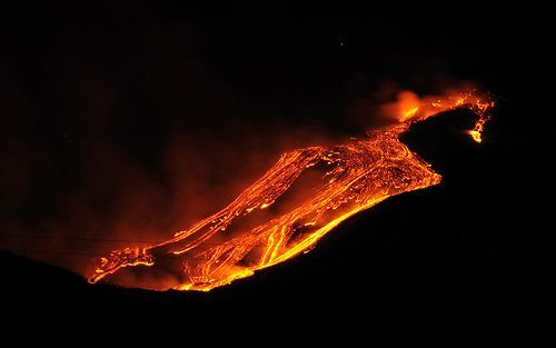 Etna Volcano Paroxysmal Eruption Jan 12 2011 - Creative Commons, por gnuckx
