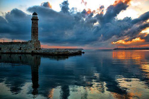 Sunrise, por Theophilos Papadopoulos