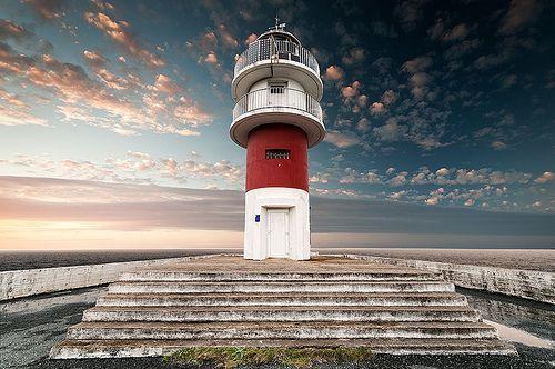 CLXXXVIII - lighthouse ortegal, por Juan Lois