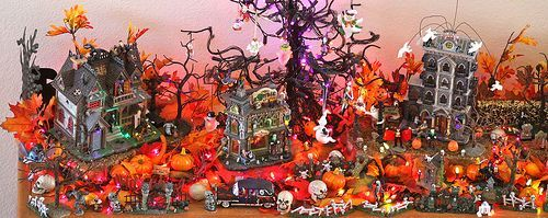 Mary Ellen Page's Halloween Town 2009, por Kevin Dooley