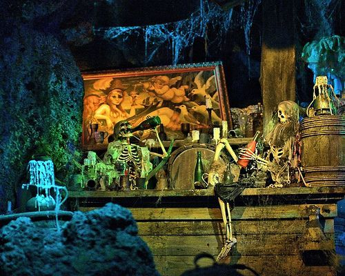 Disney - 13 Nights of Halloween - Drunken Skeleton Pirates, por Joe Penniston