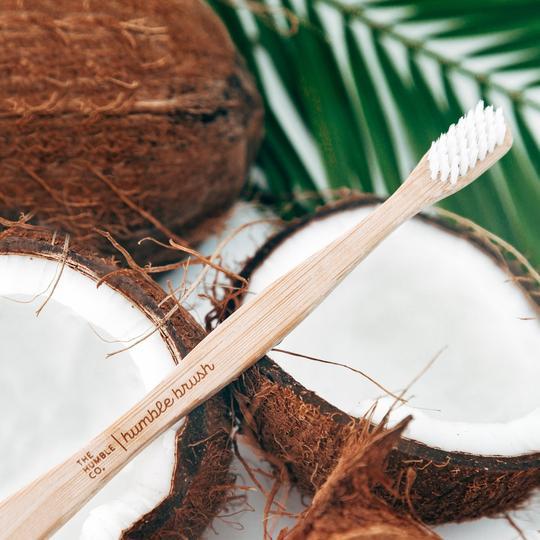tandenborstel-bamboe-wit-humbleco