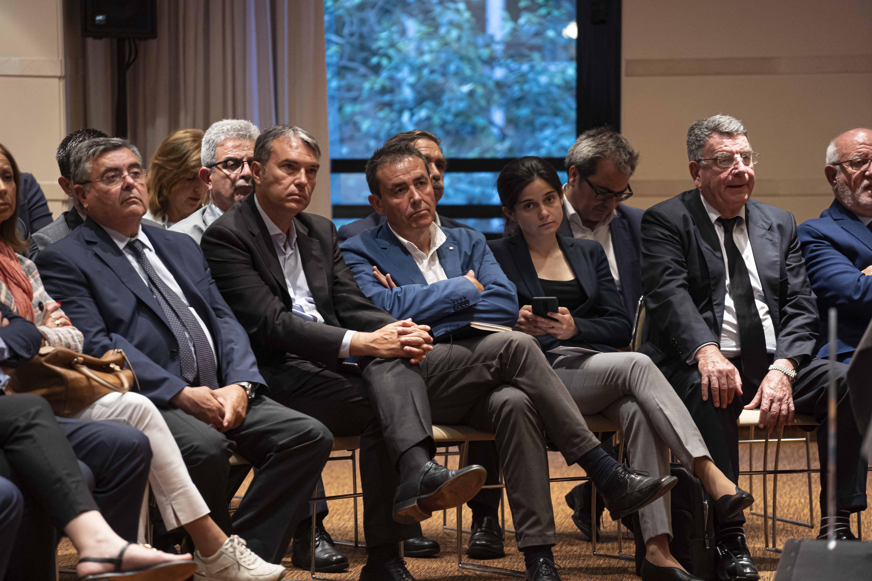 El presidente de las Cámaras de la CV, José Vicente Morata, aborda la situación del comercio exterior valenciano en el Club de Encuentro XVII