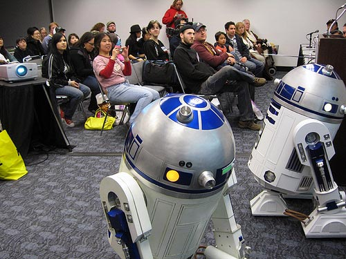 IMAGE: R2 Builders @ Wondercon 2008