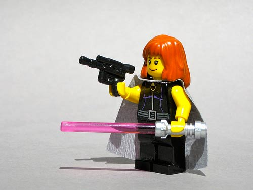 Custom Mara Jade minifig by Dunechaser @ Flickr / CC BY-NC-SA 2.0