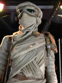 Rey shirt detail
