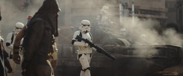 ro-teaser1-stormtrooper-tank2
