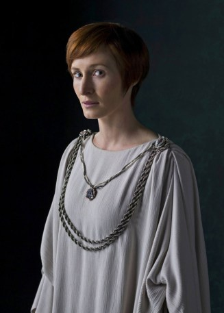 @garywhitta: Beautiful portrait of Mon Mothma in #RogueOne. #ImWithHer