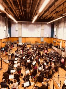 @RealRonHoward: #abbeyroad exciting day as full orchestra begins recording #SoloAStarWarsStory Gr8 score under #JohnPowell including a new #HanSolo theme by #johnwilliams