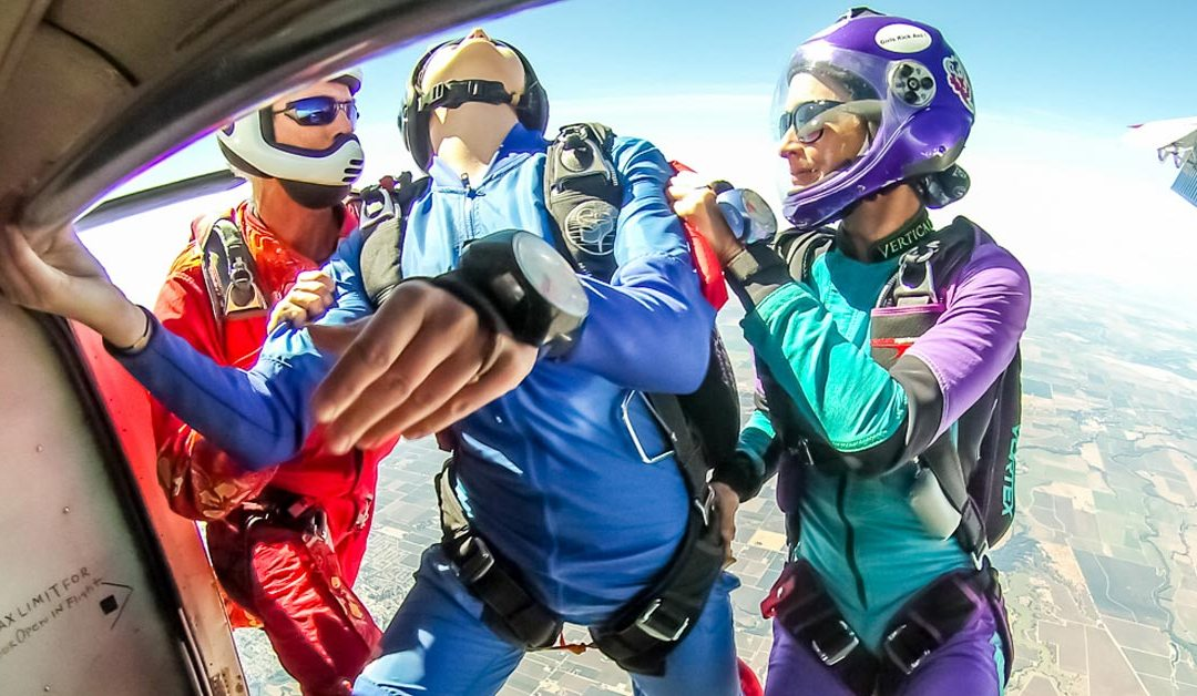 How to get your skydiving license in a week