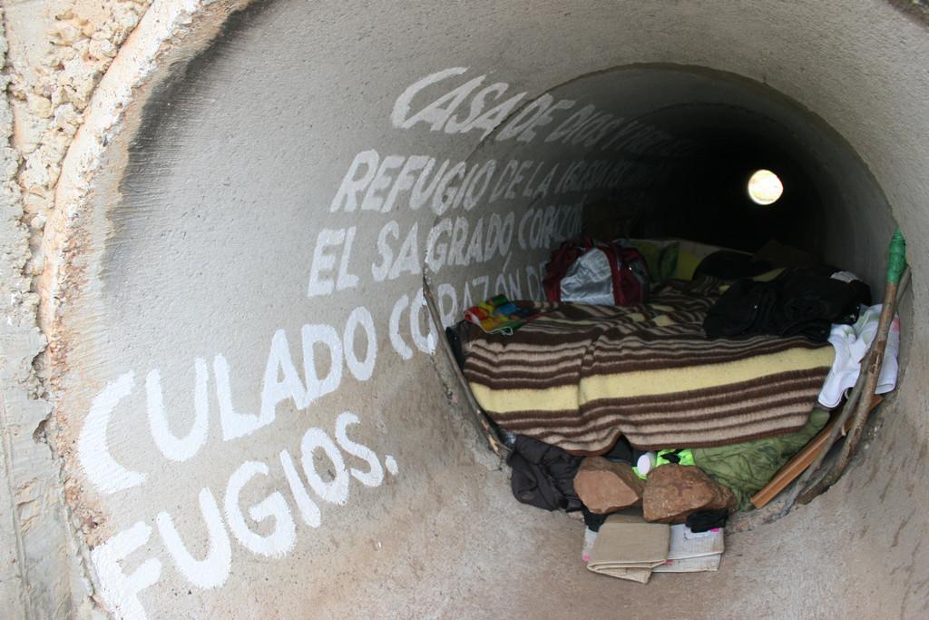 08. Su casa en un tubo