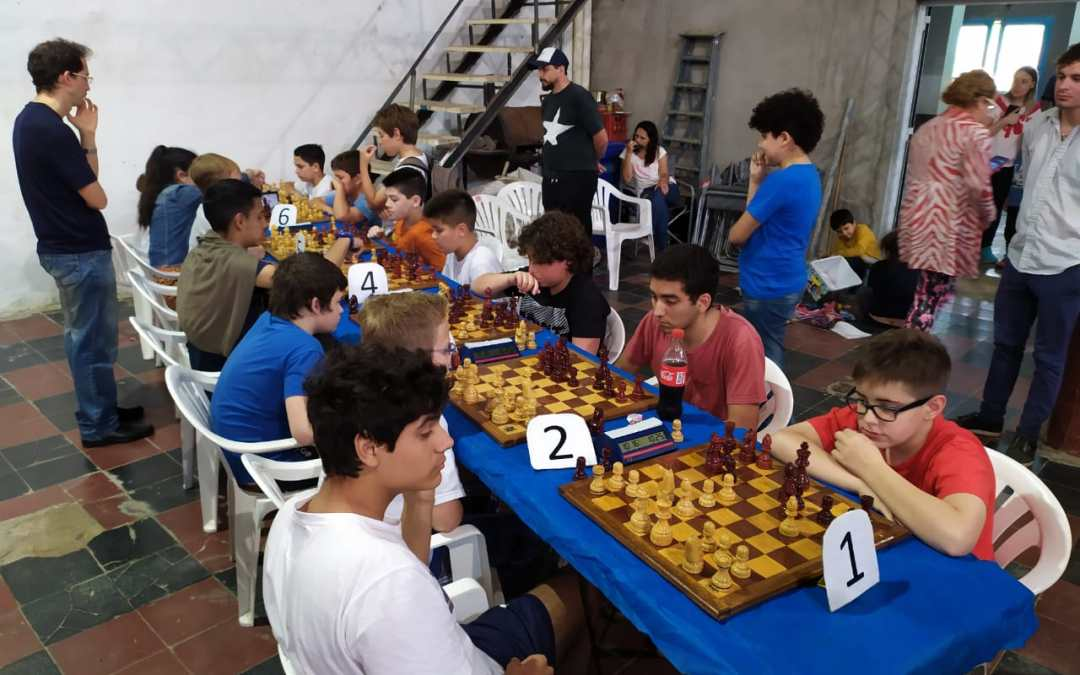Neptunia presentó ajedrecistas en el torneo sub 20