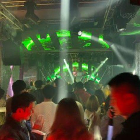 【渋谷クラブ】渋谷の人気クラブ、TK渋谷のメインフロア、TK渋谷はセンター街の交番の近くの「ちとせ会館の地下一階」です