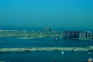 Osiedle Palm Jumeirah, w tle Atlantis Hotel
