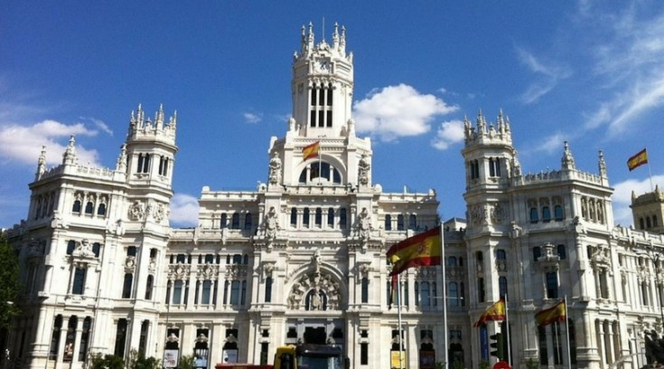 cheap places to travel in spain