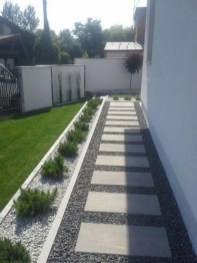 Comfy Front Yard Pathways Landscaping Ideas You Must Know02