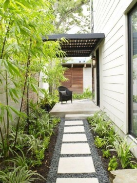 Comfy Front Yard Pathways Landscaping Ideas You Must Know25