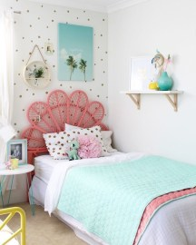 Delicate Tiny Bedroom Decor Ideas For Teens09