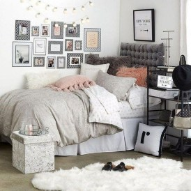 Delicate Tiny Bedroom Decor Ideas For Teens20