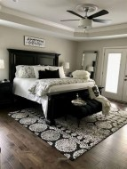 Inexpensive Master Bedroom Remodel Ideas For You28