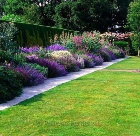 Lovely Backyard Garden Ideas That Looks Elegant22