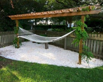 Lovely Backyard Garden Ideas That Looks Elegant34