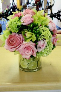 Stylish Lower Arrangements Ideas For Table Decorating35