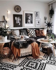 Adorable Black Living Room Ideas That Looks Cool04