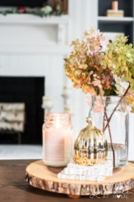 Amazing Fall Living Room Decorating Ideas To Try Asap34