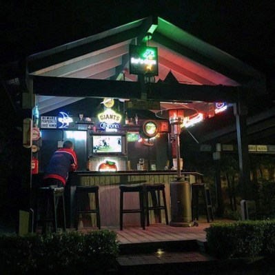 Cool Bar Design Ideas For Outdoor To Try Asap40