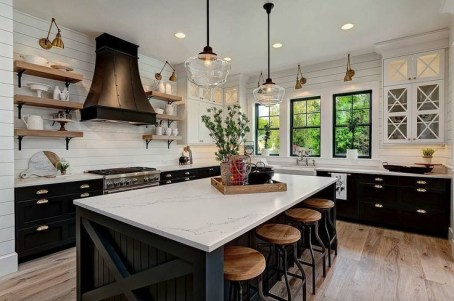 Extraordinary Farmhouse Kitchens Design Ideas That Have An Elegant Looks20