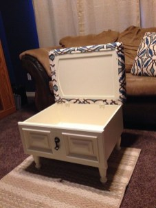 Extraordinary Old Furniture Ideas To Beautify The Decor10