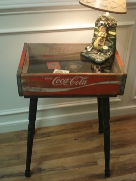 Extraordinary Old Furniture Ideas To Beautify The Decor41