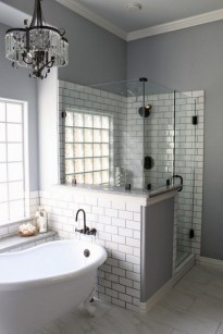 Fascinating Farmhouse Master Bathroom Remodel Ideas To Have Now03