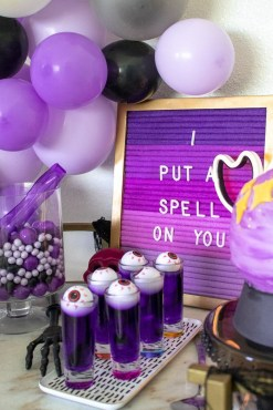 Outstanding Diy Halloween Decorations Ideas For Party Decor08