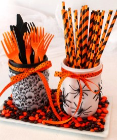 Outstanding Diy Halloween Decorations Ideas For Party Decor12